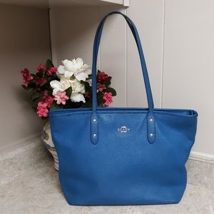 VTG Leather Daphine Blue LG. Coach City Tote Bag